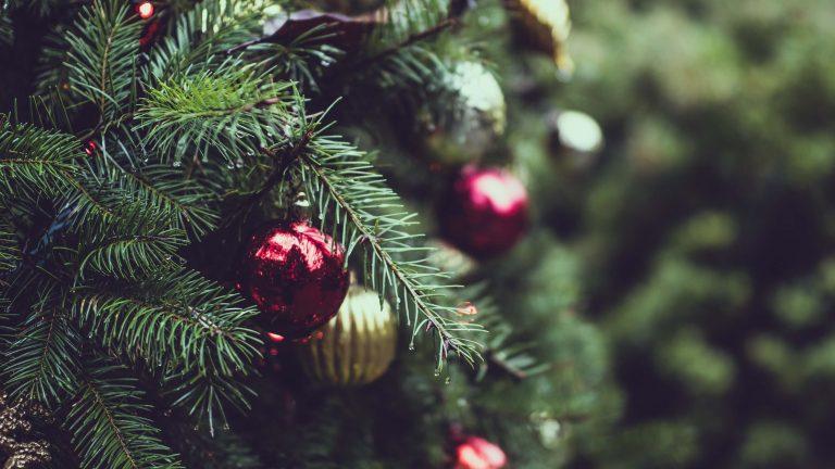 Jak odpowiednio przygotować świąteczny pakiet hotelowy
